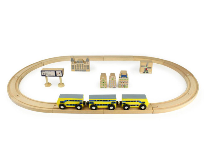 Build a real Dutch train track at home with Ikonic Toys - The dad